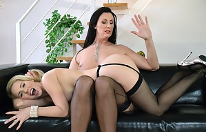 Lesbian Spanking Porn Pictures