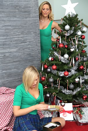 Lesbian Christmas Porn Pictures