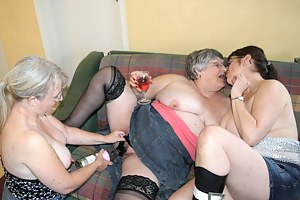 Kinky Lesbian Porn Pictures